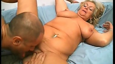 Busty mature slut sucks big cock
