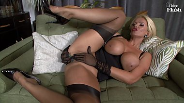 Lucy Zara Knows How To Please Her MAn