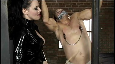 Stunning raven-haired dominatrix Anastasia Pierce enjoys having kinky fun w