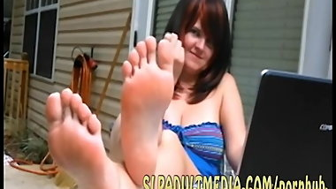 Now cum lick them clean foot salve while I look at this big black BOOTYGIRL