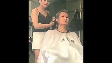 Chinese manages the ...from the barber and ..oopss!!! - telexporn com