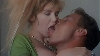 Vintage porn: a young Rocco Siffredi and his hard cock!