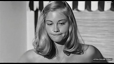 Cybill Shepherd - Vintage nude, Teen girl topless - The Last Picture Show (1971)