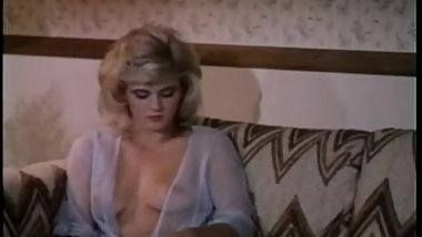 Battle Of Superstars Ginger Lynn Vs. Nina Hartley