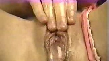 Creamy squirt - Pussy ID needed