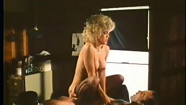 Amber Lynn Fucked By Shady Detective