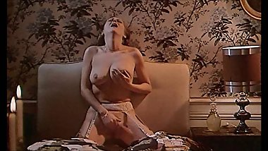 Lesbian Sex & Masturbation From A Horny Housewife