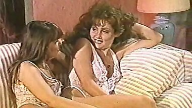 Hermaphrodite Angela Summers Surprises 2 Women