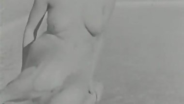 Sexy Donna Watkins Poses Nude by Pool (1950s Vintage)