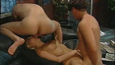 Stacy Valentine gets dp anal sex in threeway