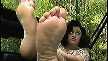 Southern Lady teases with Her feet