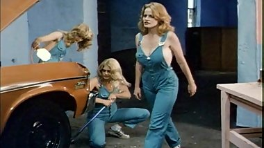 Garage Girls (1981)