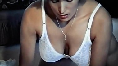 DUSKY - vintage mature big boobs fondles herself
