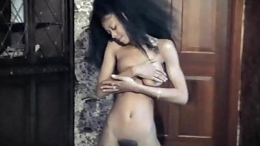 BABY LOVE - vintage petite ebony strips & oils herself