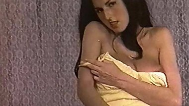 MELLOW YELLOW - vintage 60's huge tits striptease