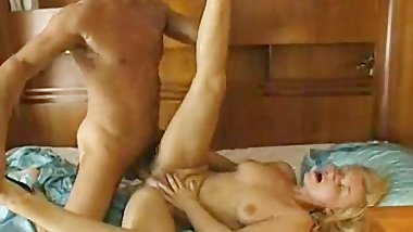Classic porn on a boat with the blondie
