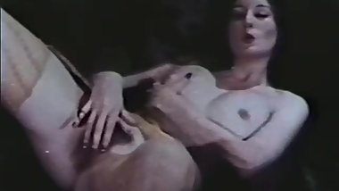 Softcore Nudes 624 70's and 80's - Scene 8