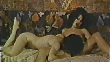 Lesbian Peepshow Loops 639 60's and 70's - Scene 4