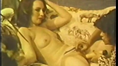 Lesbian Peepshow Loops 630 70's and 80's - Scene 1