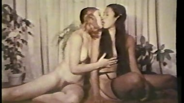 Lesbian Peepshow Loops 536 70s and 80s - Scene 2