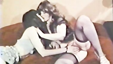 Lesbian Peepshow Loops 588 60s and 70s - Scene 3
